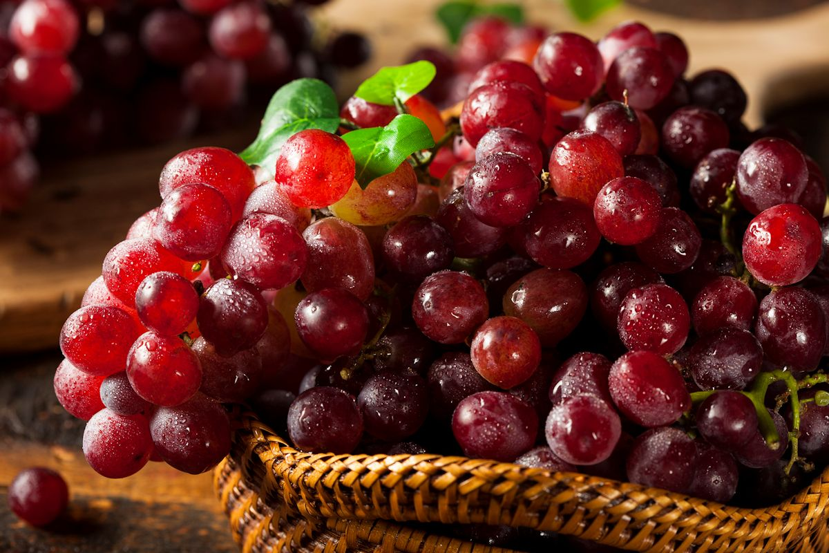 Organic Raw Red Grapes
